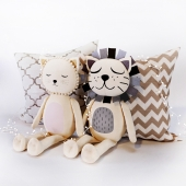 Cat and Lion toy by Emily & Meritt