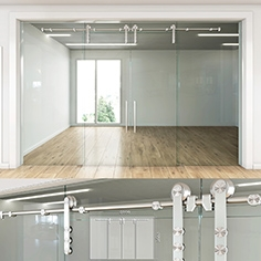 Glass partition with sliding doors - 4